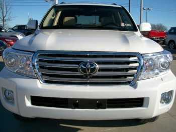 SALE: TOYOTA LAND CRUISER 2013 FAMILY SUV.